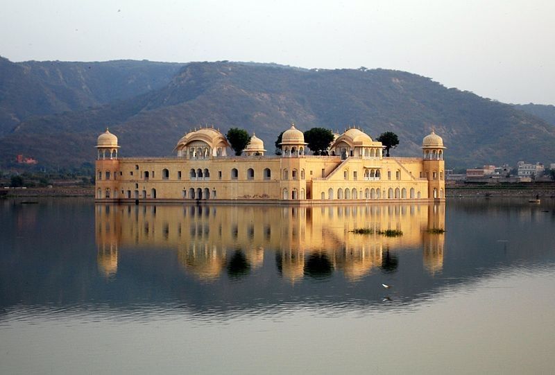 800px-jal-mahal-2009